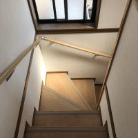 フローリングの階段